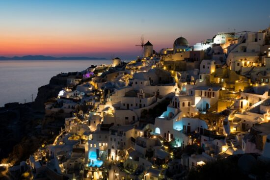 santorini.travel.photographer.oia.sunset.photo.shoot.book.destination.session